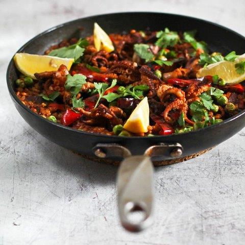 Paella con Chorizo y Pulpo - Sushibytes.com