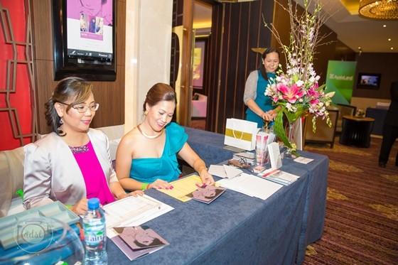 fashion lounge awash in pink
