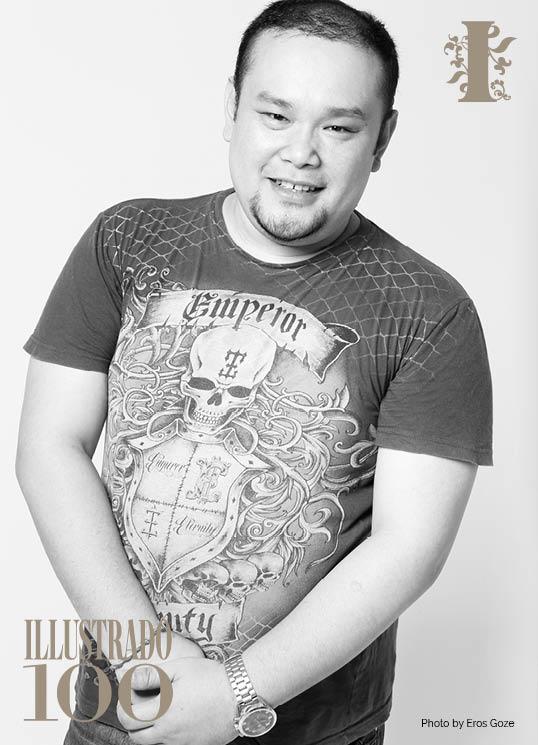 fashion designer YEN AB