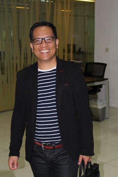 It's What I Do: Ernesto Oliquiano, John Gilbert Flores